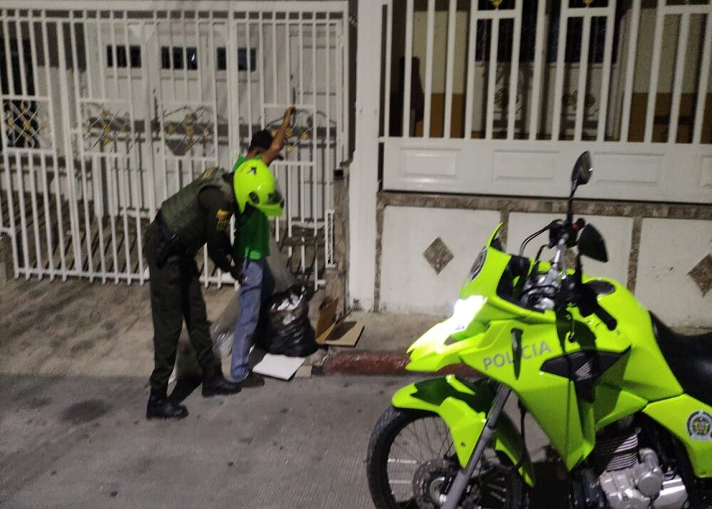 FOTO CONTROLES TOQUE DE QUEDA.jpg
