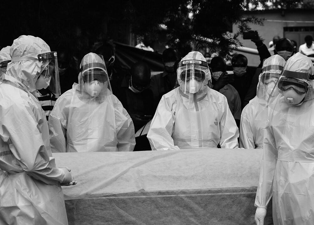 371161_Fallecimientos de trabajadores de la salud por COVID-19 // Foto: AFP, imagen de referencia