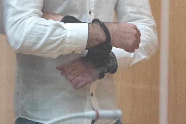hombre captura esposas_afp.jpg