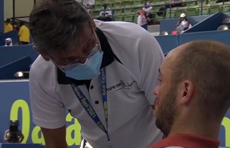 Tim Puetz se dio un golpe en el ojo en el ATP 250 de Doha.