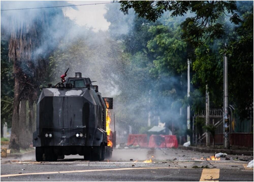331337_Explosión en medio de disturbios dejó un muerto y seis heridos en Univalle