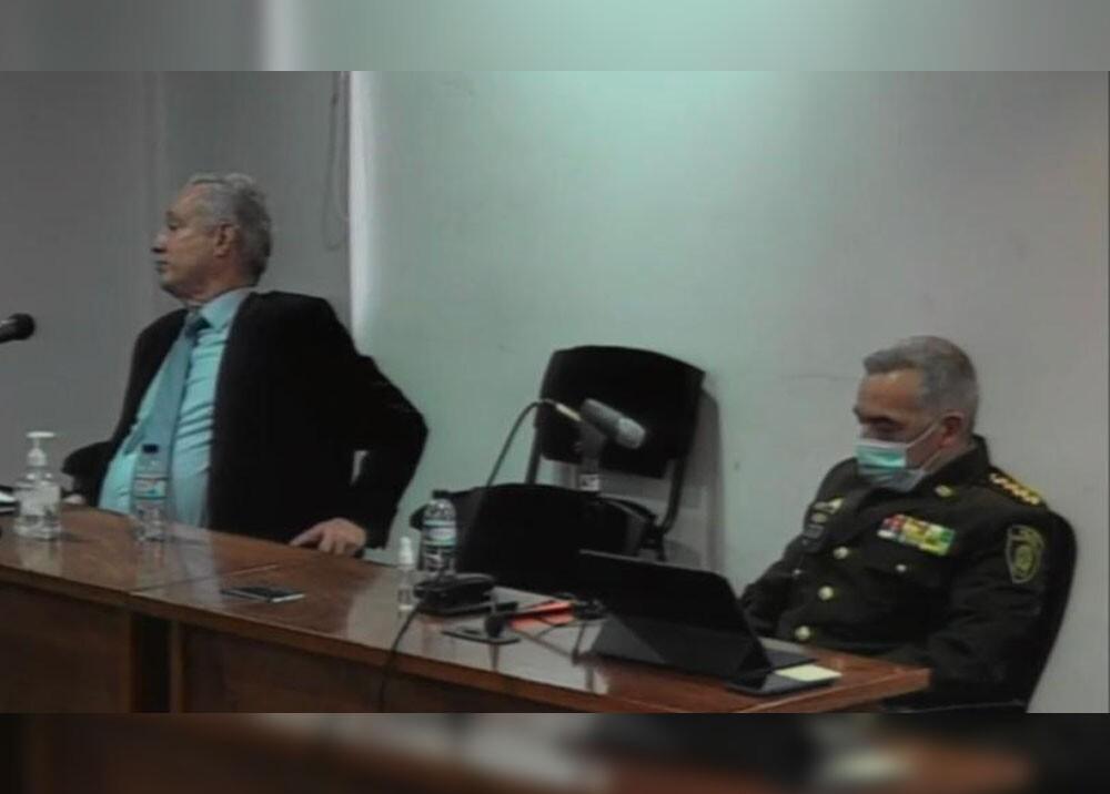 General Oscar Atehortúa en Procuraduría.jpg