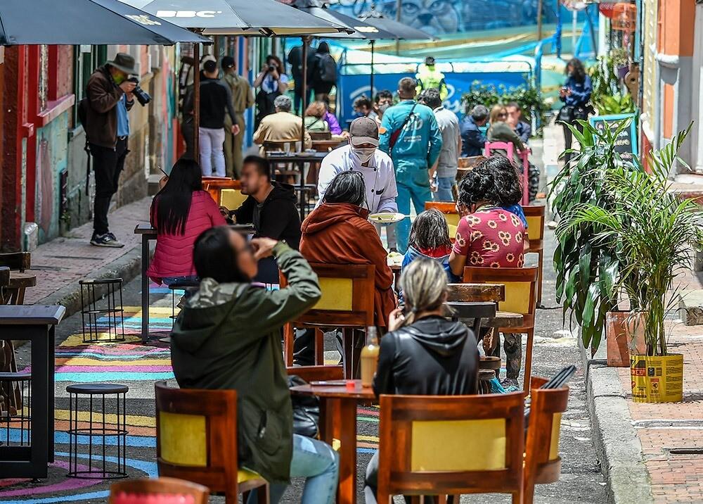 376652_Reactivación de restaurantes en Bogotá // Foto: AFP