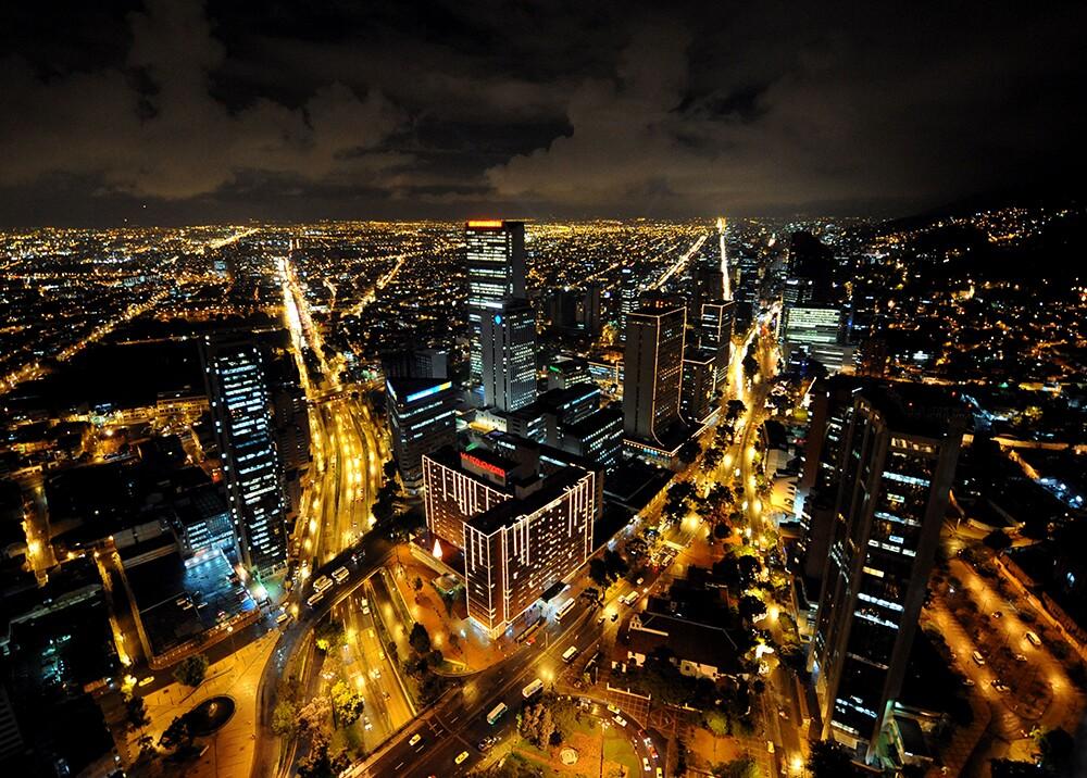 289186_BLU Radio. Bogotá de noche / Foto: AFP