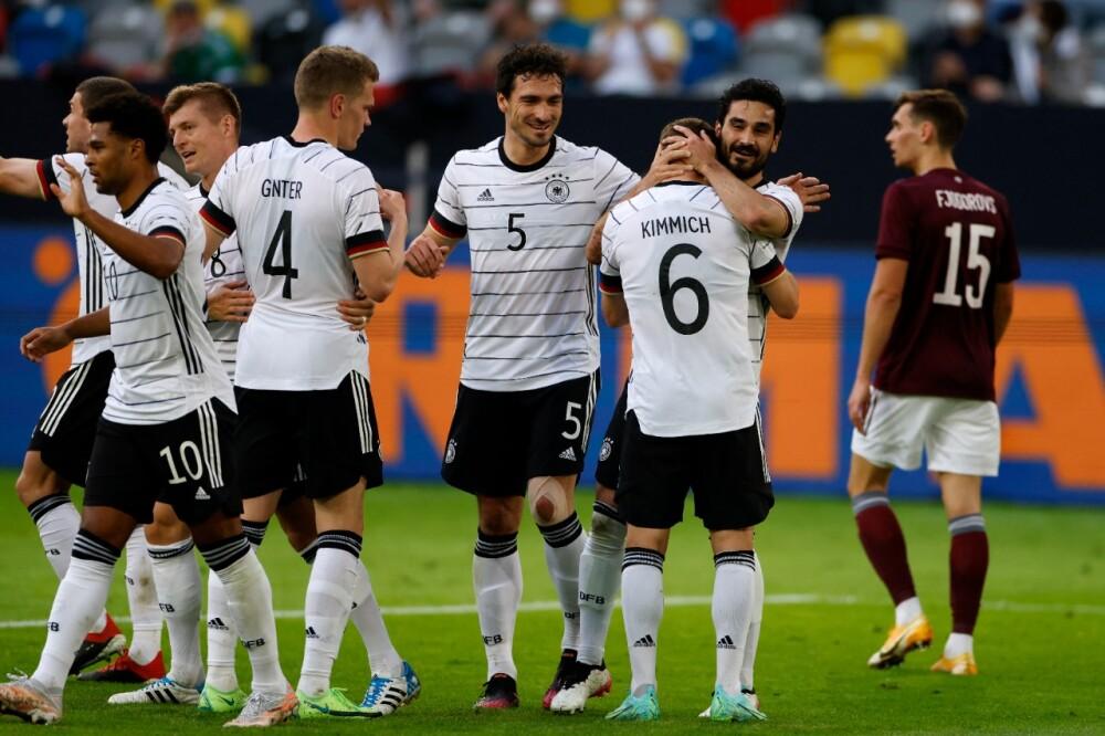 Selección Alemania contra Letonia AFP.