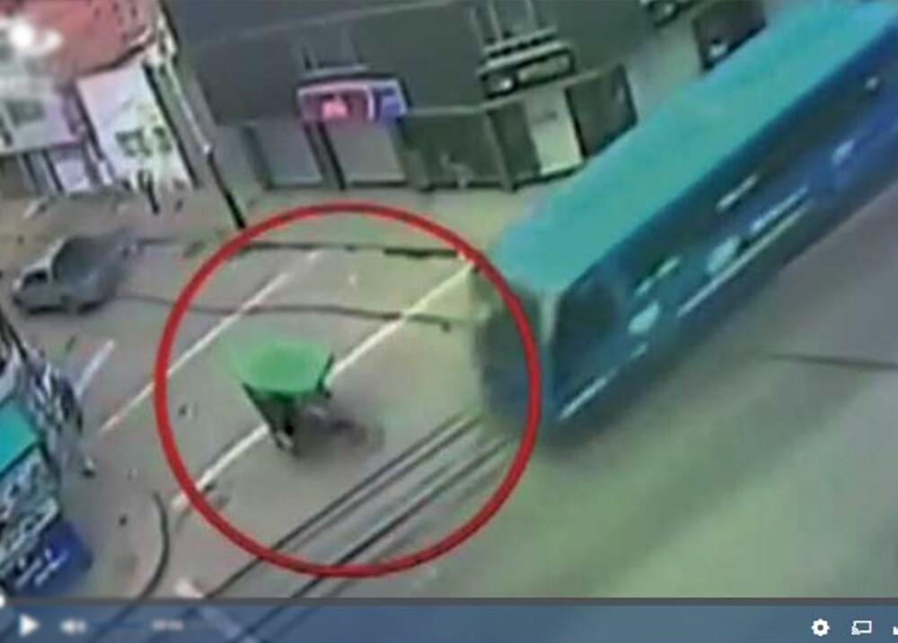 3866_La Kalle Accidente de tránsito de un bus SITP y un bicitaxi en Bosa - Foto - Video Noticias Caracol