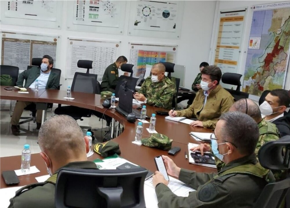 Consejo de seguridad en Corinto Cauca Foto Twitter Diego_Molano.jpg