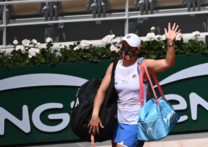 Ashleigh Barty se retiró de Roland Garros.