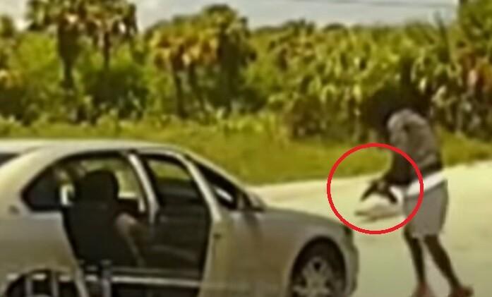 Violento ataque contra policías en Florida, Estados Unidos, requirieron a hombre para requisa y este empezó a disparar con una metralleta