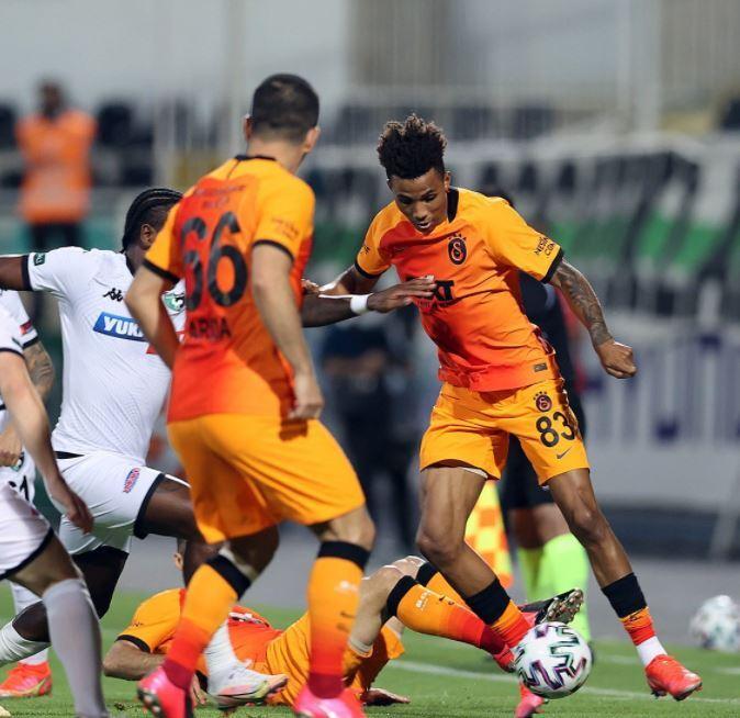 Galatasaray Denizlispor 110521 Twitter E.JPG