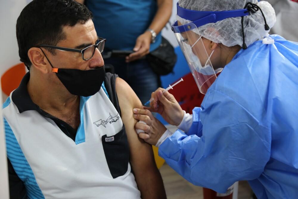 Punto de vacunación para taxistas.JPG
