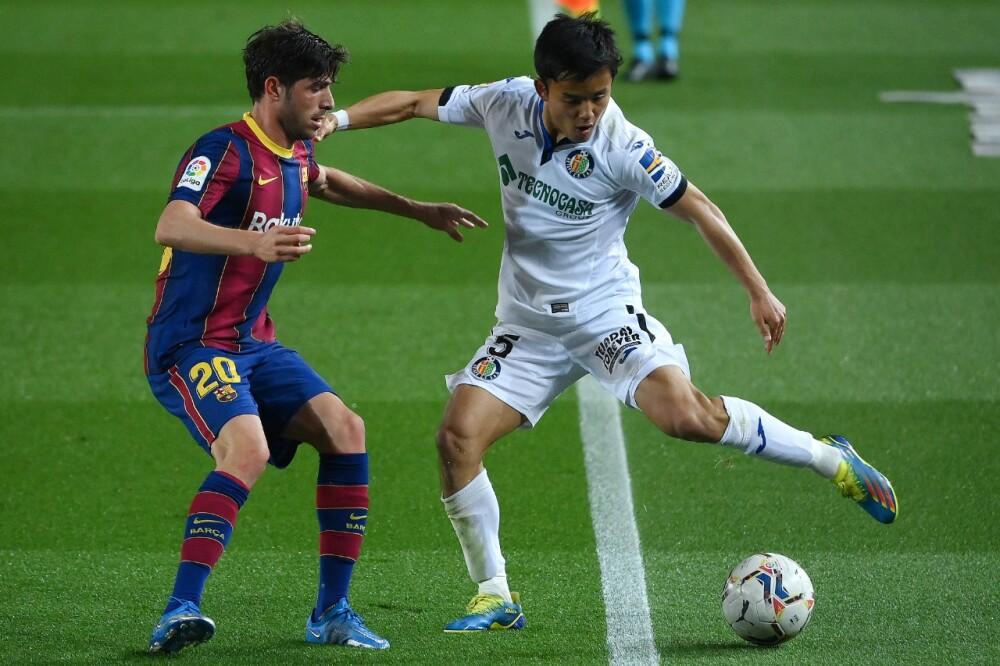 Takefusa Kubo en partido de la Liga de España entre Barcelona y Getafe