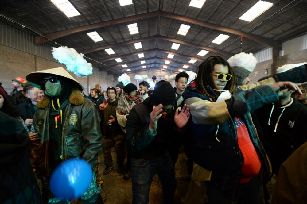 Multitudinaria fiesta clandestina en Lieuron, Francia