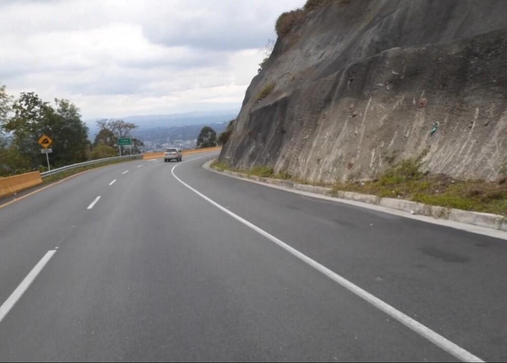 BLU Radio. Vía Calarcá- Cajamarca. Foto: BLU Radio