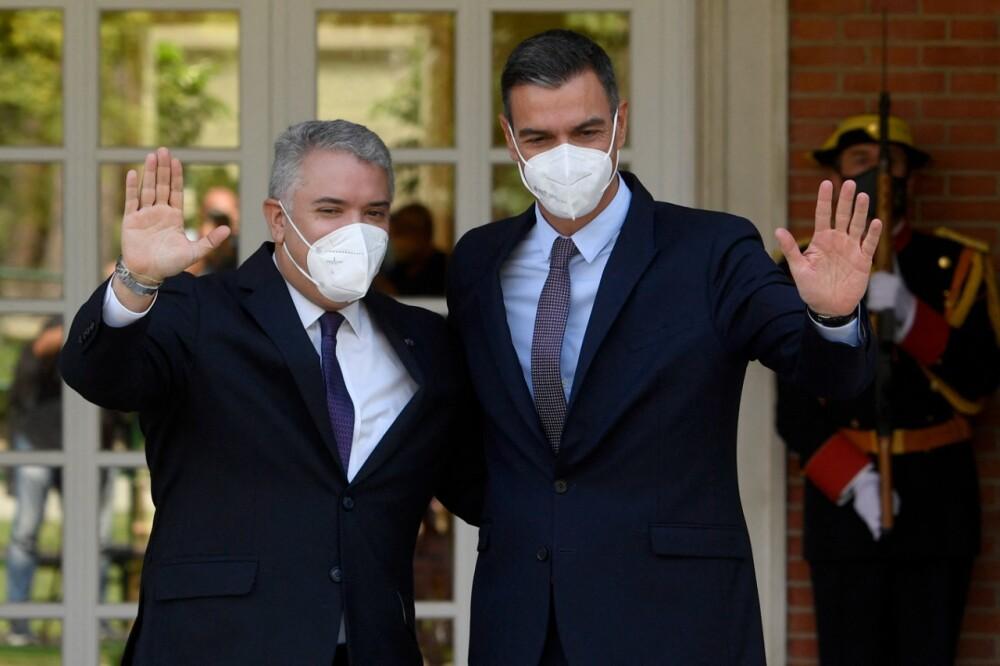 Iván Duque y Pedro Sánchez.jpg