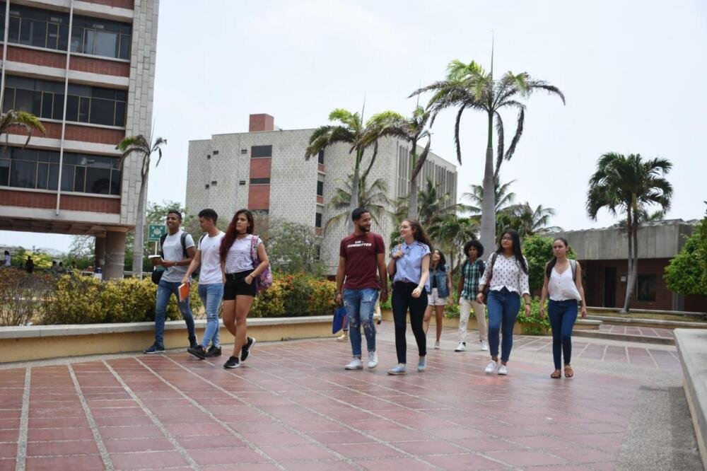 334070_Blu Radio/ Estudiantes de Uniatlántico. Foto: Cortesía