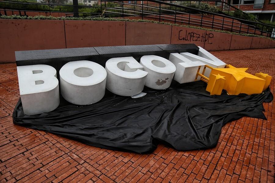 Daños en Bogotá por vandalismo, tras jornada de paro nacional