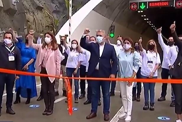 duque inaugura tunel de la linea