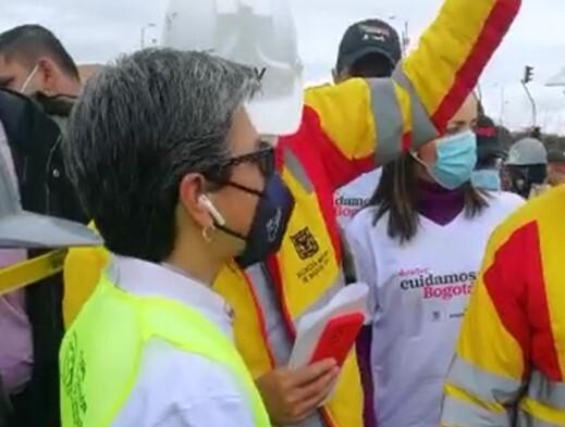 Abucheos contra Claudia López en el Portal Américas