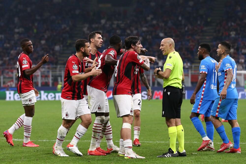 Polémica en el partido de AC Milan contra Atlético de Madrid