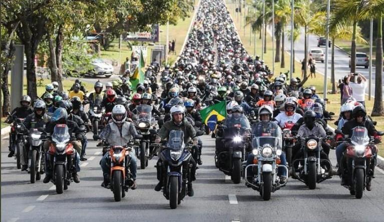 concentración bolsonaro motociclistas .jpg