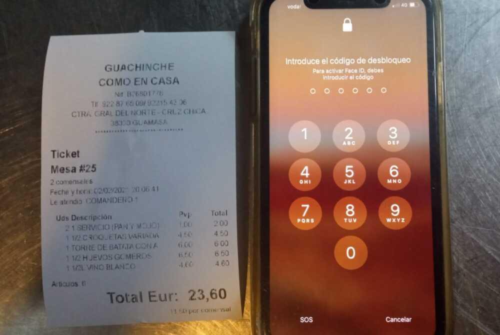 se fueron sin pagar en restaurante y dejaron un celular