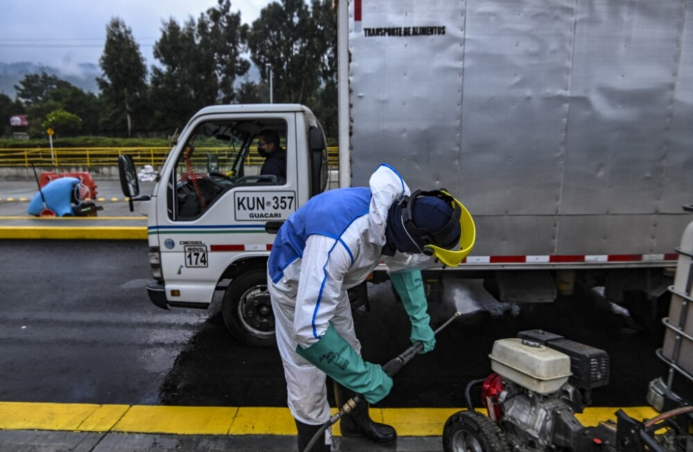 Desinfección de vehículos, carro  .jpeg