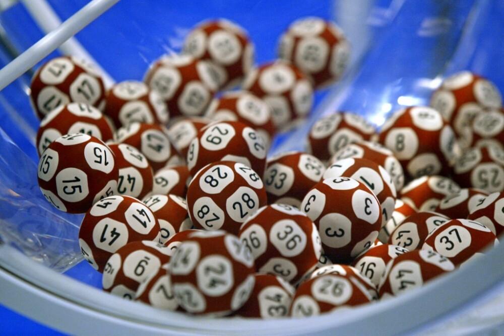 Imagen de referencia de balotas de Lotería