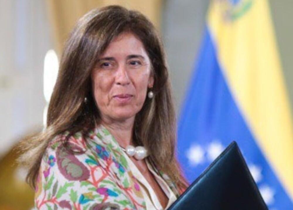 369684_Isabel Brilhante Pedrosa - Foto: Twitter/ @EmbajadoraUECCS