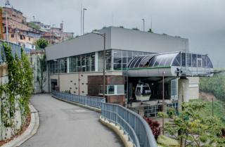 estación del metro villa sierra.png