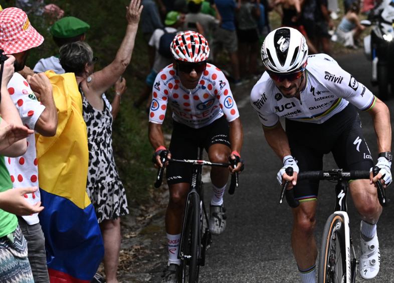 Nairo Quintana es líder de la montaña en el Tour de Francia.