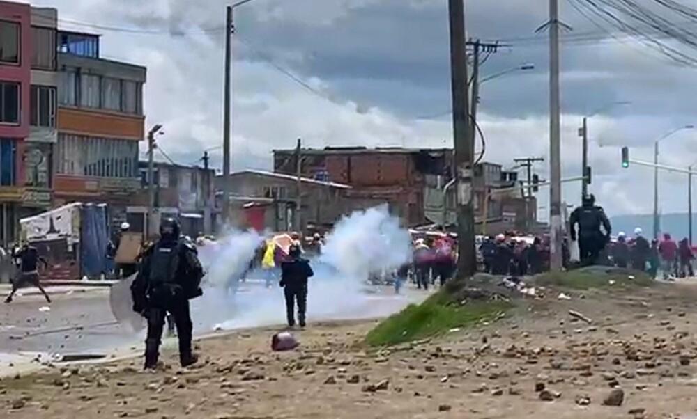 Choques entre manifestantes y el Esmad en Usme