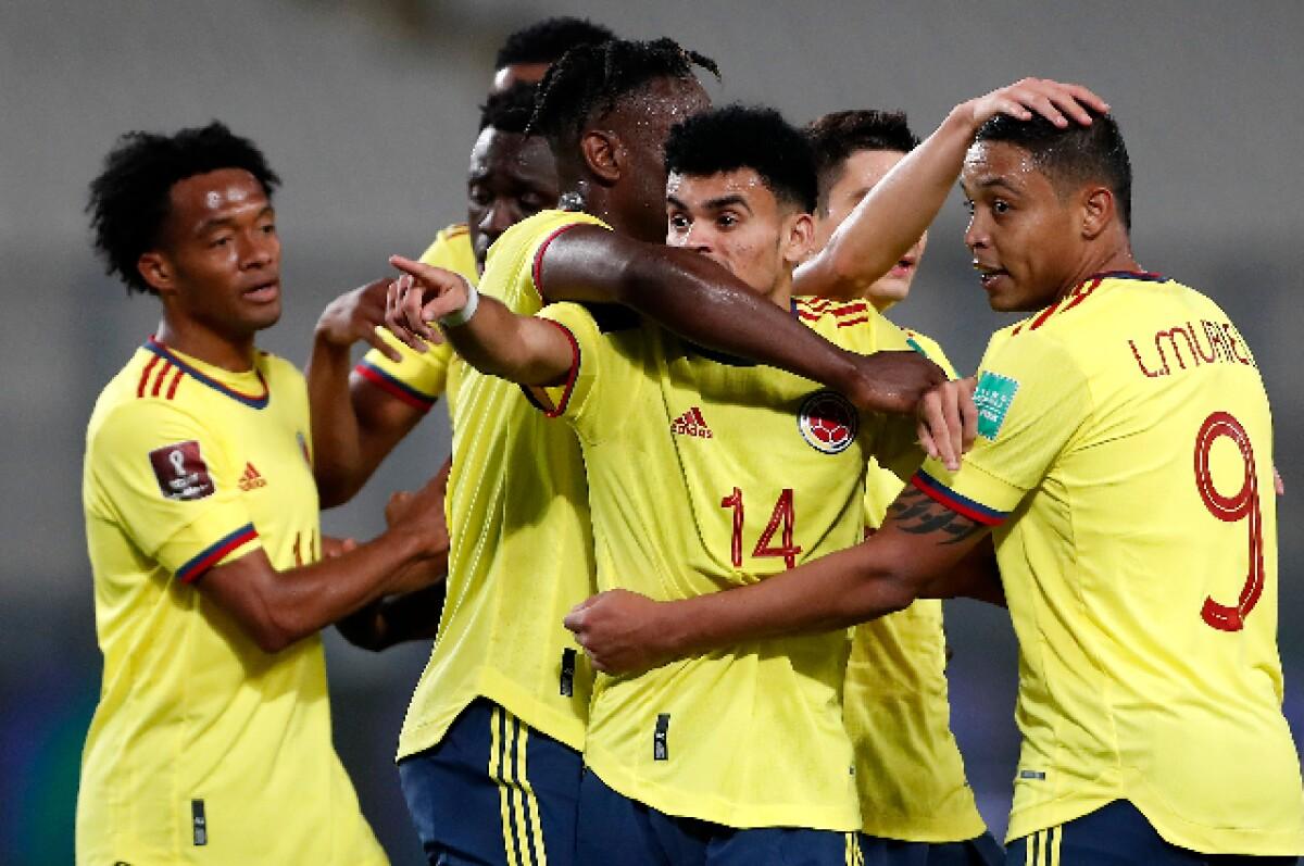 """Leonel Álvarez: """"Para que el resultado contra Perú sirva, Colombia tiene  que ganarle a Argentina"""""""
