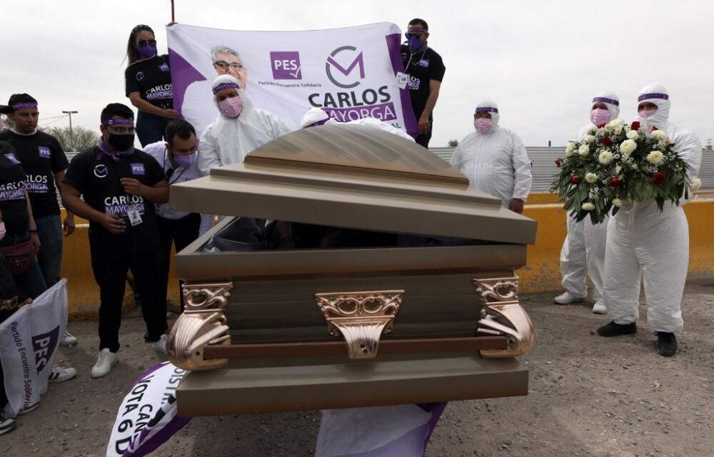 Carlos Mayorga ataúd México