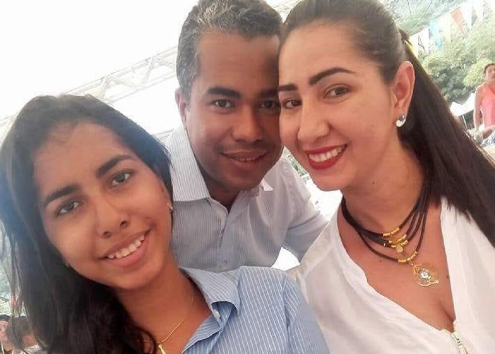 374815_El alcalde de Puerto Wilches, Jairo Toquica, y su familia / Foto: suministrada
