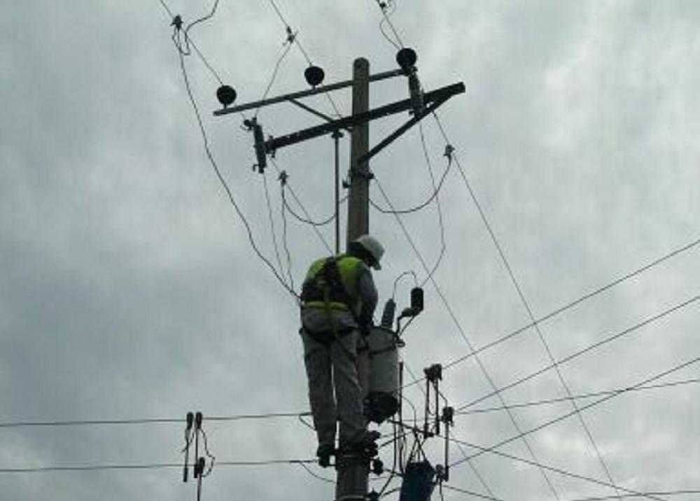 139395_BLU Radio. Postes de luz Electricaribe Foto: twitter @ElectricaribeSA