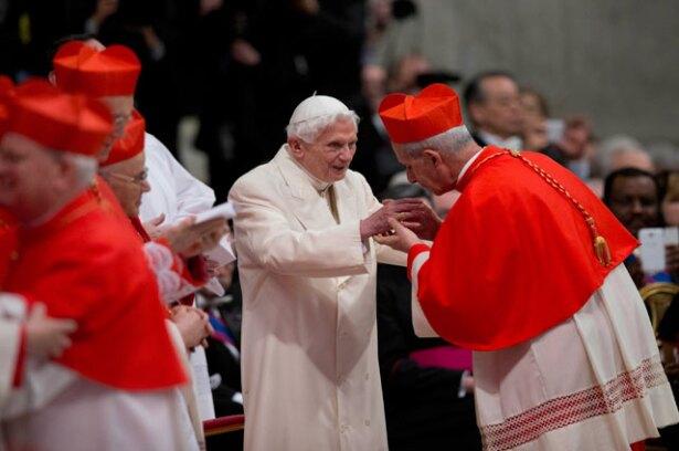 El 22 de febrero pasado asistió a la Basílica de San Pedro, a una ceremonia oficiada por el papa Francisco. AP