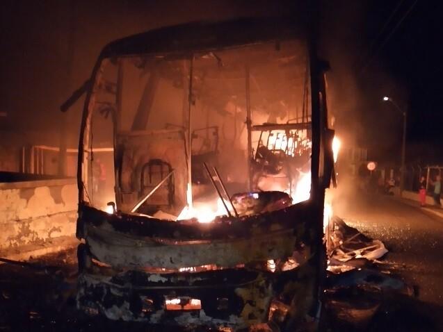 vehículo quemado en Valdivia