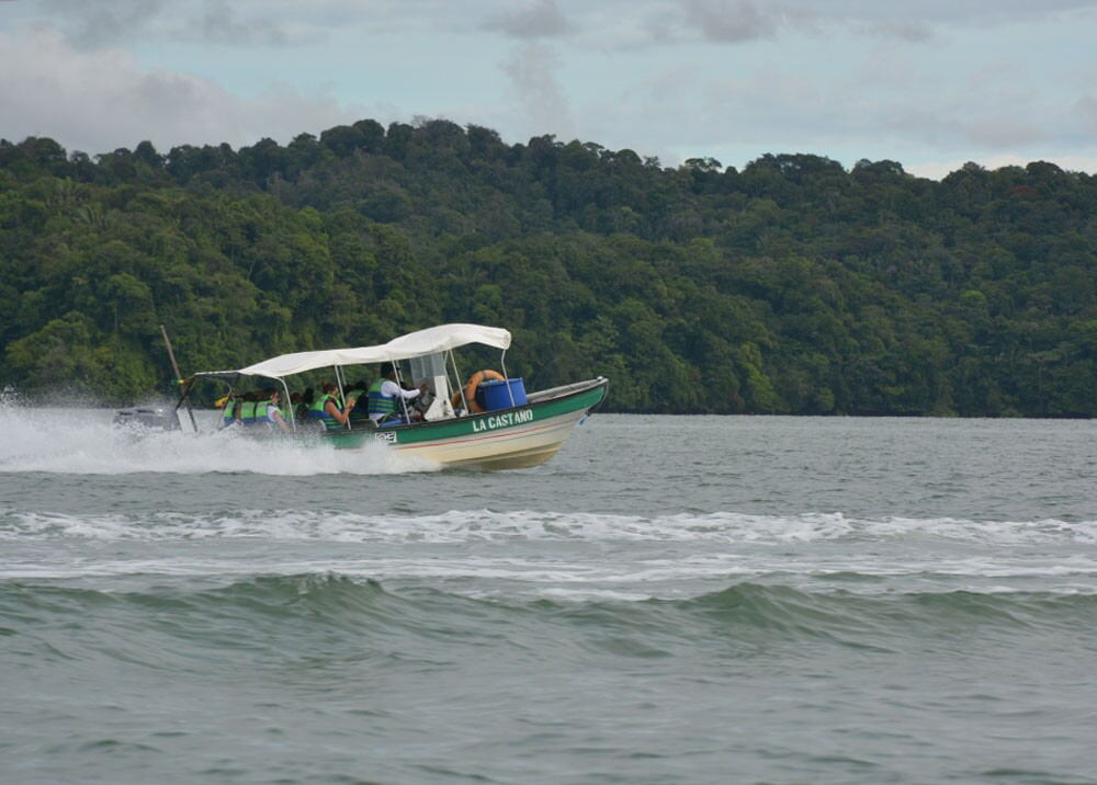 turismo en buenaventura pacifico lancha mar mario baos.jpg