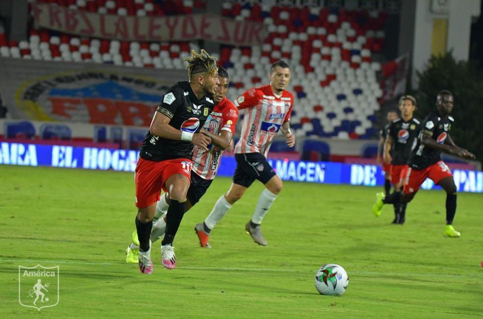 América Junior 1009020 TW E.JPG