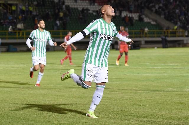 Celebración de Jarlan Barrera, tras su gol en Patriotas vs. Atlético Nacional