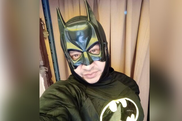 Profesor superheroe de Bolivia.jpg
