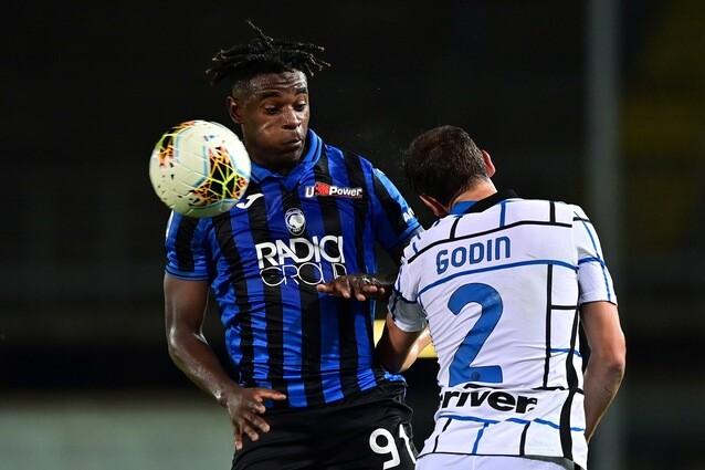 Acción del juego entre Atalanta e Inter, en el cierre de Serie A.