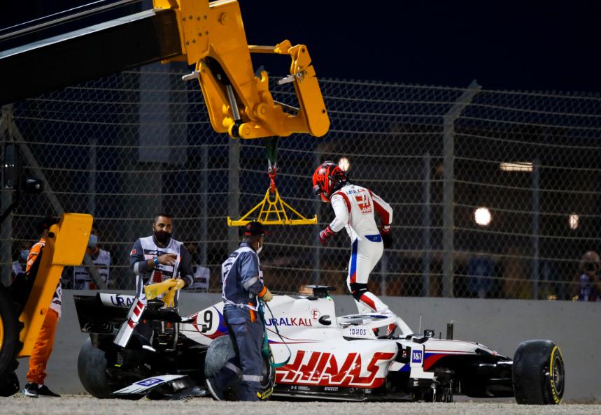 Nikita Mazepin se estrelló en el Gran Premio de Bahréin de Fórmula 1.