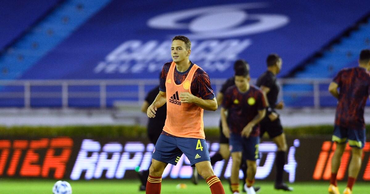 Santiago Arias ya viajó para comenzar su recuperación de la lesión: #FuerzaSanti
