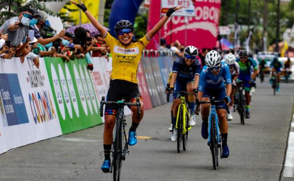 Lorena Colmenares se coronó campeona nacional de ruta.