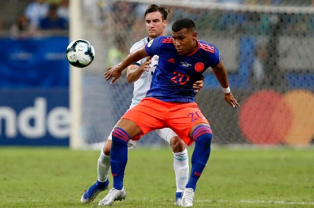 Roger Martínez, en Colombia contra Argentina