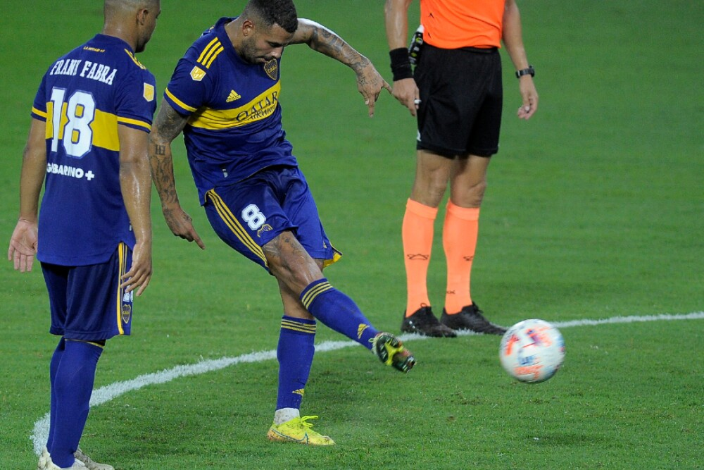 Edwin Cardona Boca Juniors Tiro Libre 140221 AFP E.jpg