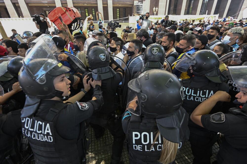 Disturbios fuera de la Casa Rosada / AFP
