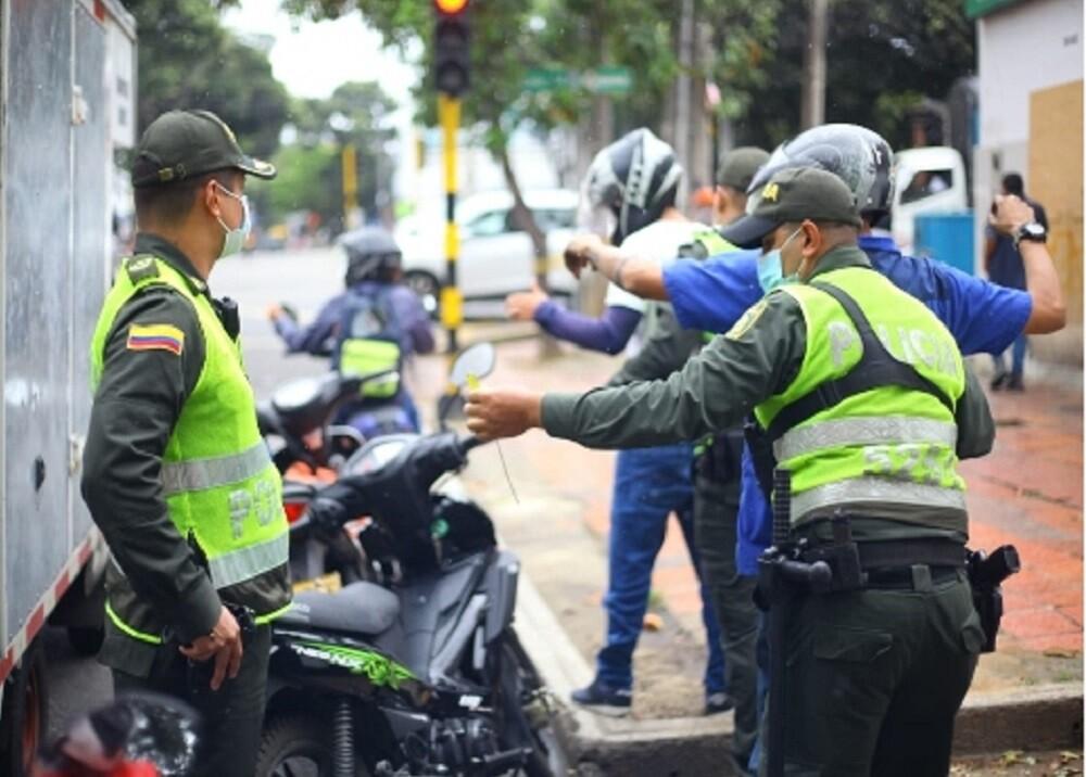 FOTO OPERATIVOS POLICIAS MOTOS.jpg